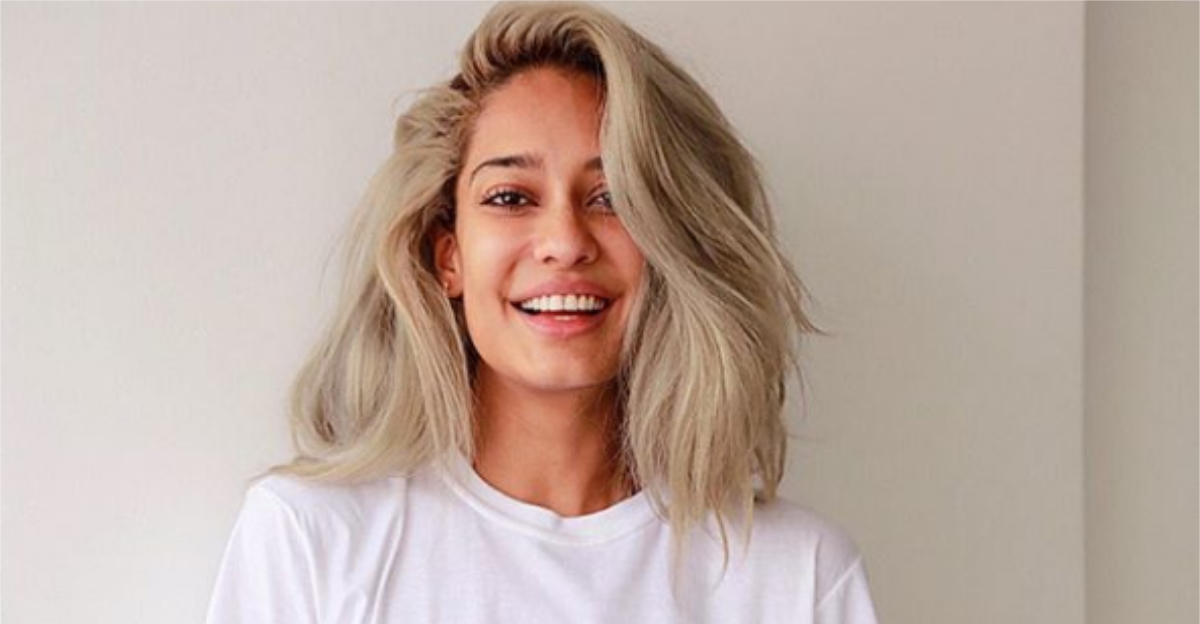Want To Bleach Your Hair At Home? Here's Everything You Need To Know To Do It Like A Pro
