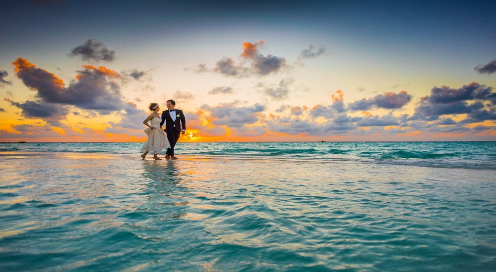15 Wedding Photoshoot Ideas For You To Try Out