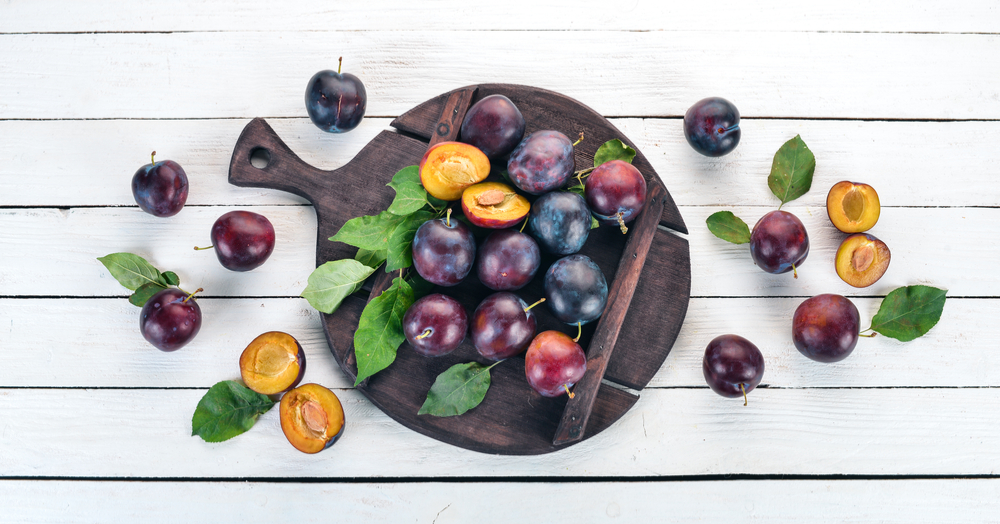 Happy Skin Hair Growth & A Healthy Heart: Here Are ALL The Reasons Why You Need To Eat Plums!