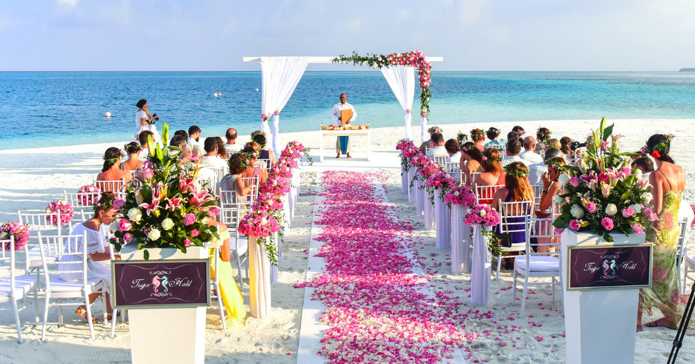 #SummerShaadi: 11 *Cool* Tips On Surviving A Wedding In The Sweltering Heat!