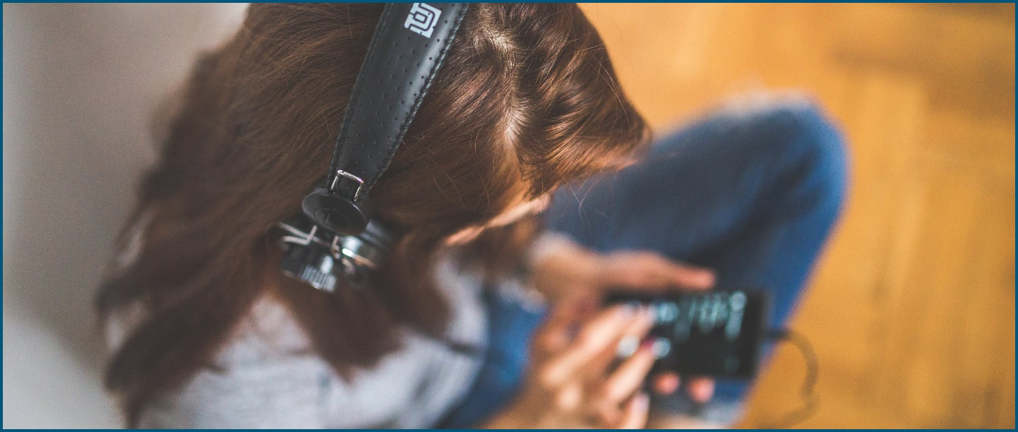 Never Get Bored Again: 12 Of The Best Podcasts Of 2019 That You Have To Listen To!