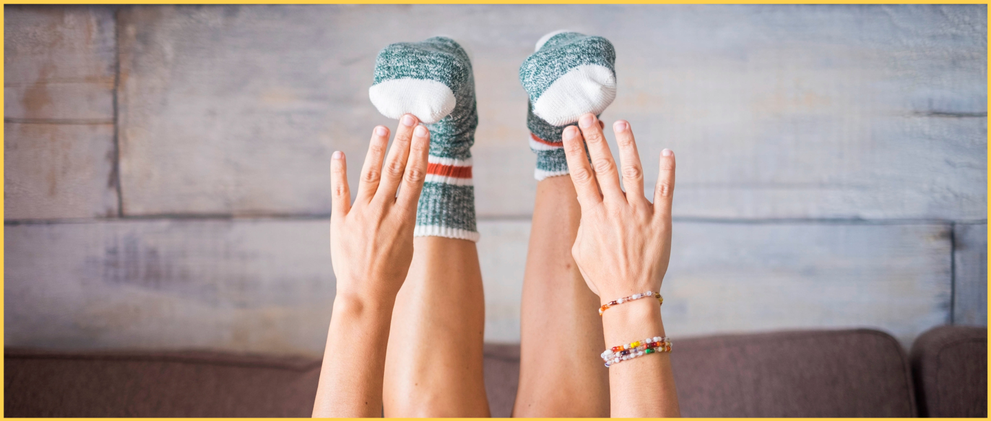 3 Exercises In 10 Mins: All You Need Is A Pair Of Socks To Get Toned Legs Like No Other