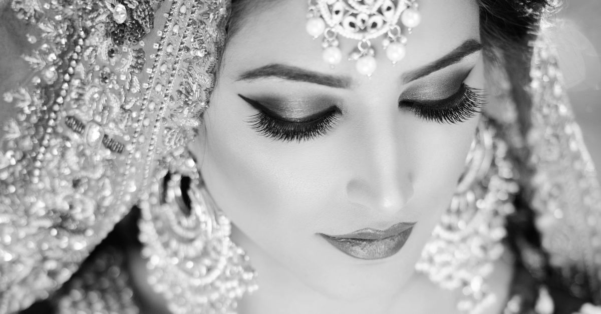 12 Best Mascara For Brides (No Smudging, No Streaking!)