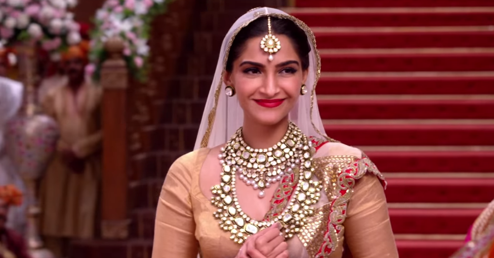 How To Stay Sweat-Free & Gorgeous Even In Heavy Shaadi Outfits!