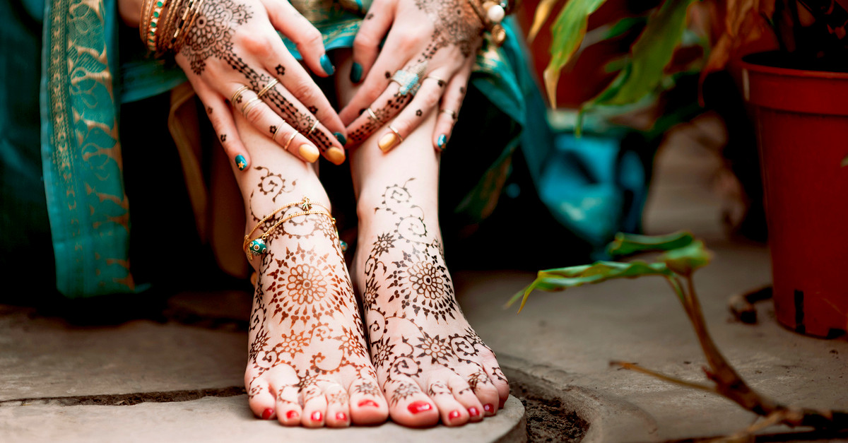 How To Make Your Mehndi Darker And Long-lasting