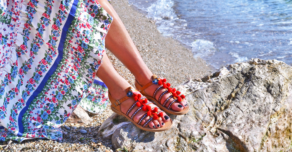 15 Oh-So-Cute Sandals To Go With ALL Your Summer Outfits!