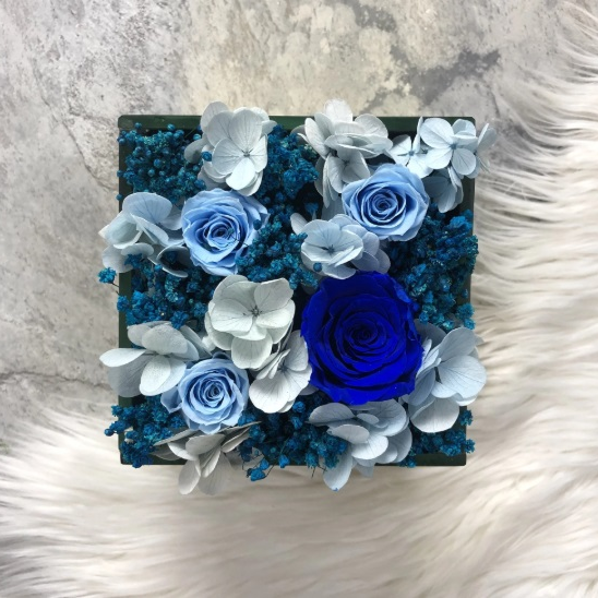 Blue Forever Flowers in Gold Box - La Glace in Gold
