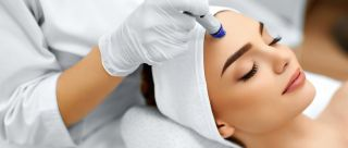 Going To The Salon? 6 Safety Precautions To Keep In Mind Before You Book An Appointment