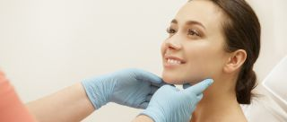 We Asked Experts The Good, Bad & Ugly About Chemical Peels & Here's What They Said