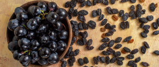 Not Just Sweet, But Healthy Too! 8 Black Raisin Benefits That You Didn't Know About