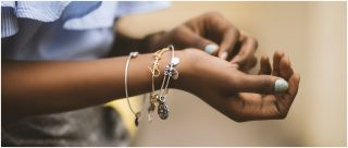 30+ Chic Bracelet Designs For Girls To Take Your Accessory Game To The Next Level
