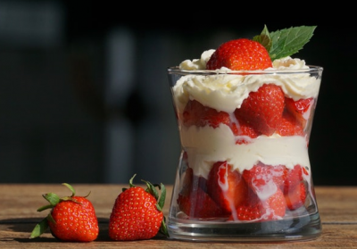 stawberries-cream-to-detan-your-face