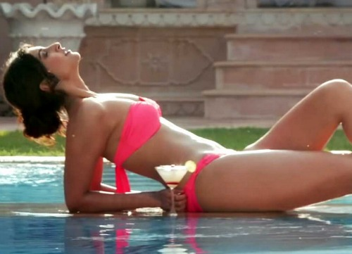 how to get abs like Sonam Kapoor
