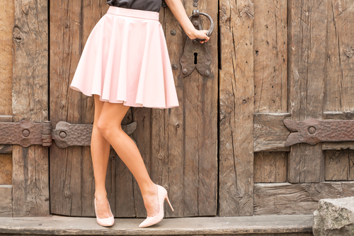 dos and donts of wearing mini skirts