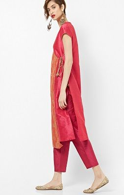 Straight-kurta-indian-outfits-that-make-you-look-tall