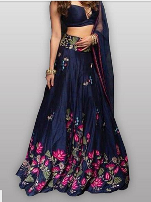 deep-necklines-indian-outfits-that-make-you-look-tall