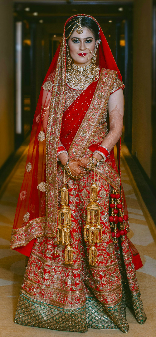 red bridal lehenga 2