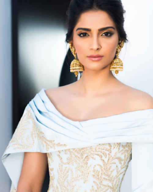 4 eyeliner styles to steal from Sonam Kapoor