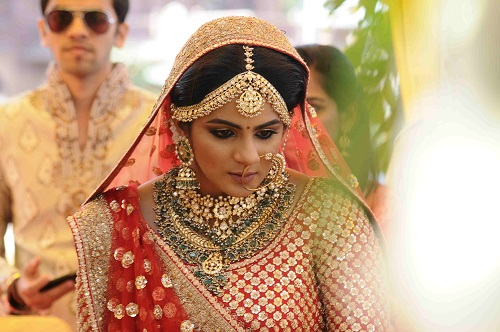 stunning bridal necklaces