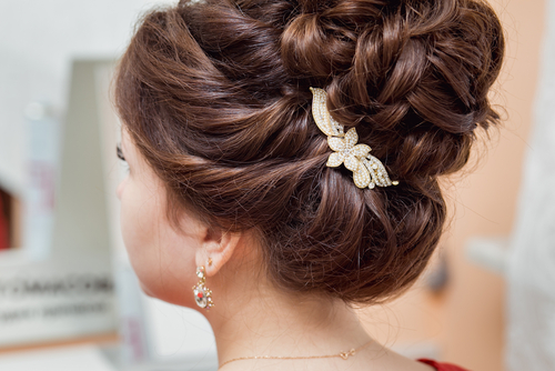 3 questions to ask your wedding hairstylist