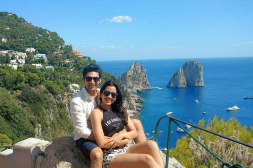 6 Vacation pictures of this celeb couple