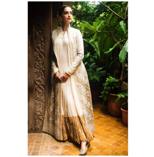 1 best outfits of sonam kapoor