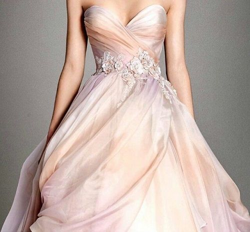 10 colourful wedding gowns