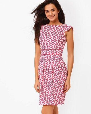 2 dresses that make you look thinner