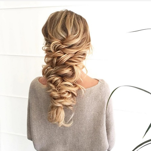 7 bridal hairstyles for curly hair