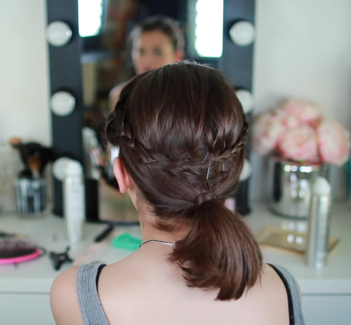 8 messy hairstyles for unwashed hair