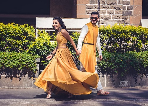 3 couples who matched their wedding outfits