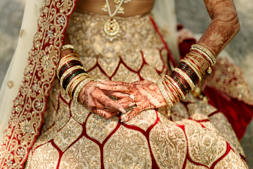 4 what not to do while wearing a lehenga