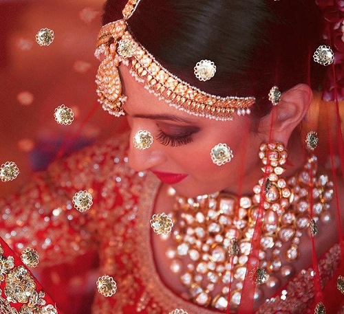8 pictures with the wedding dupatta