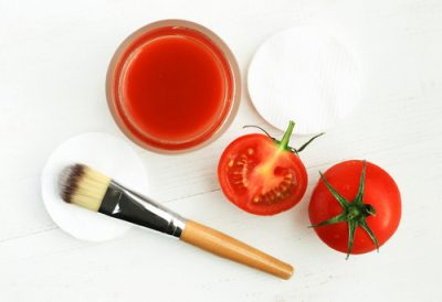 10. Fresh Tomato Pulp To The Rescue homemade face pack face mask (9)
