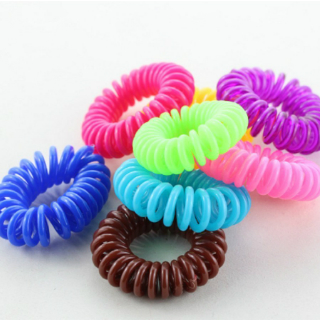 5 products for thick hair - hair ties
