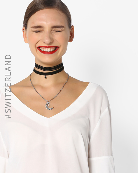5-  fashion trends- The 90%E2%80%99s choker