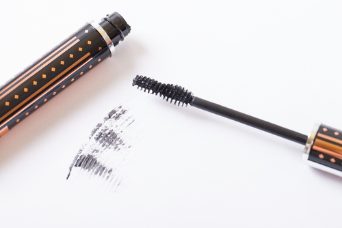 7 mascara hacks - discard old mascaras