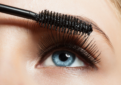 9 mascara hacks - no clumping