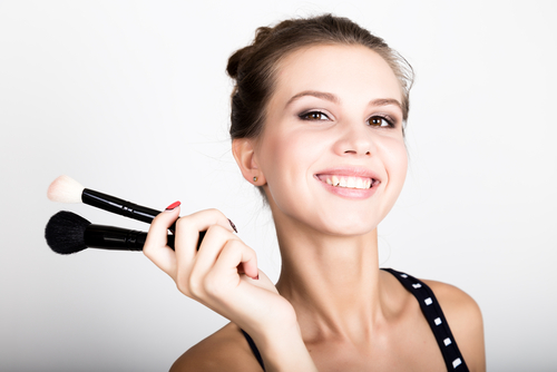 Step 4 cover back acne - seal it with powder
