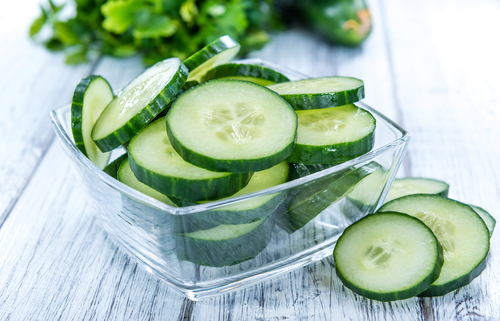 8 foods to make you look forever young - cucumber