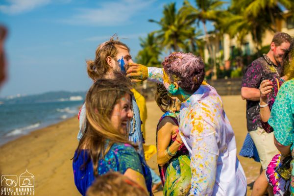 4 quirky beach wedding