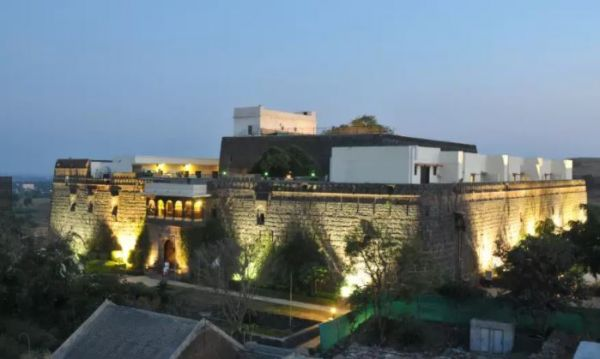 5 fort jadhavgadh hotels for destination weddings