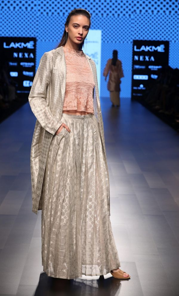 9 Hemang Agrawal's collection Un-Revive at Lakme Fashion Week Summer Resort 2018 %282%29