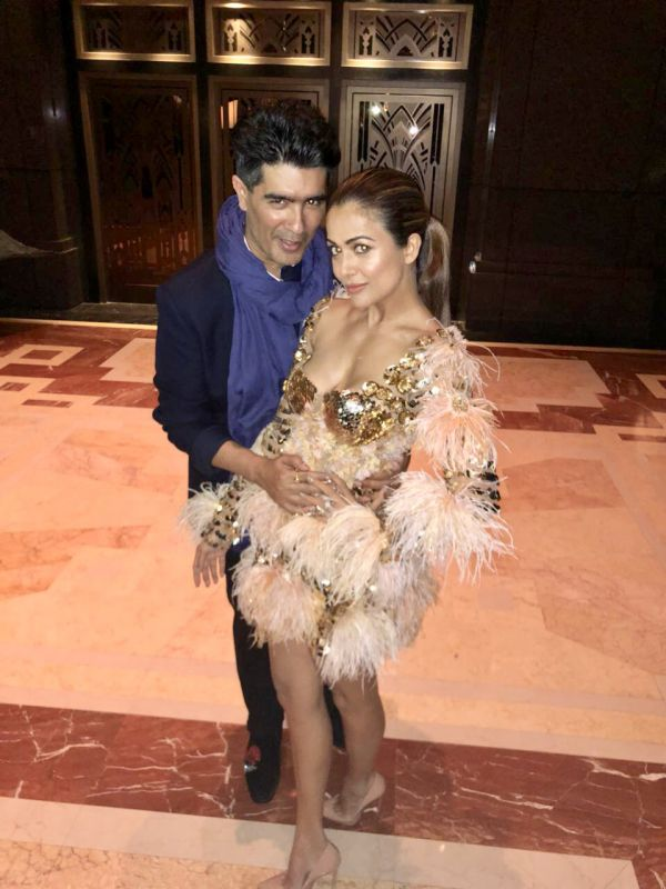 4 Manish malhotra  kareena kapoor khan  show  singapore  bollywood