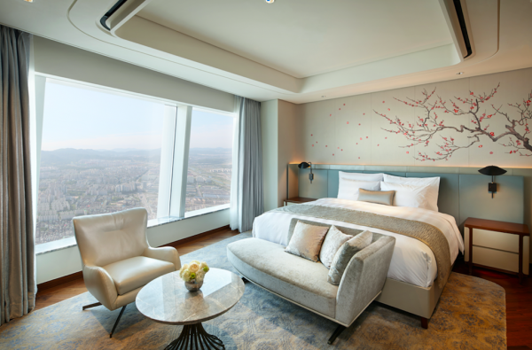 2 Things to do in Seoul A Guestroom At Signiel Seoul