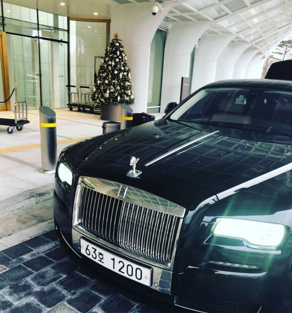 3 Things to do in Seoul Rolls Royce At Signiel Seoul