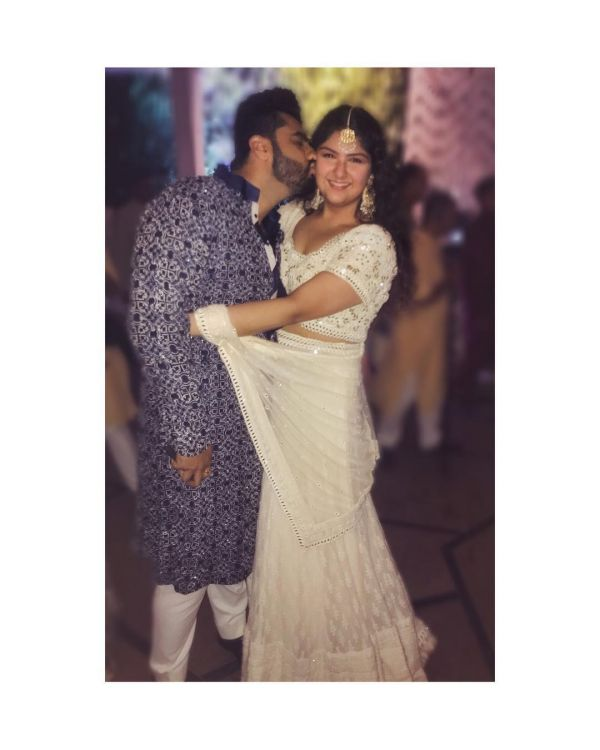 Arjun kapoor and anshula kapoor at sonam kapoor's wedding