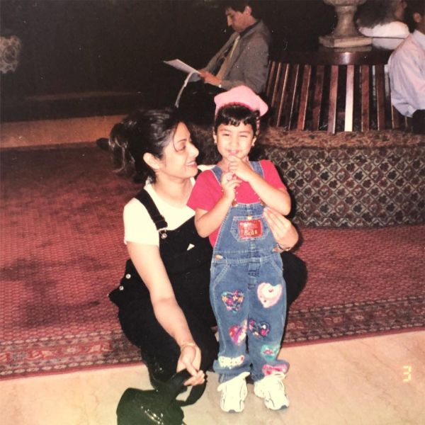 Janhvi Kapoor with Mom Sridevi Unseen photo