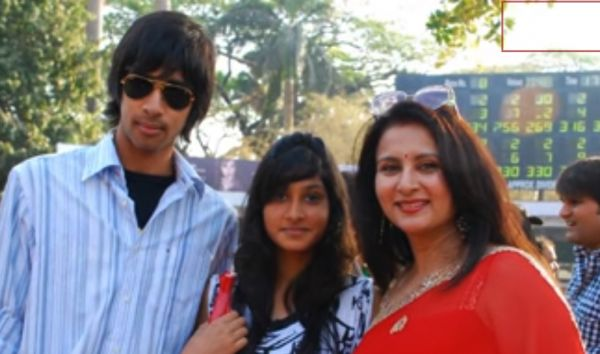 Poonam Dhillon with kids