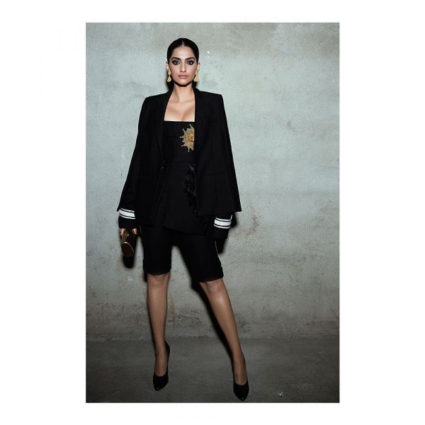4 sonam kapoor the long and short of it short suit